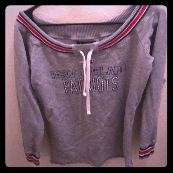sale retailer 3851d 3294f New England Patriots sweater